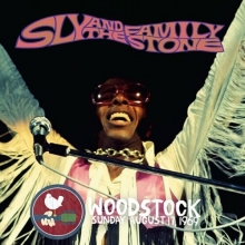 WOODSTOCK SUNDAY AUGUST 17 1969 - de SLY AND THE FAMILY STONE